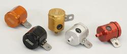 Universal Bremsflüssigkeitsbehälter mit ABE senkrechtem Schlauchanschluss und Haltelasche rechts